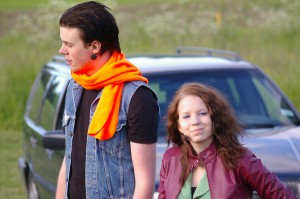Jonathan med Lantmännens klassiska halsduk och med Jennifer.