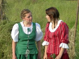 Döttrarna Linnea och Magda, spelade av Anna och Jennifer