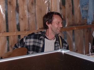 Totte Ljunggren fick spela bas.