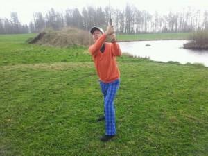 Den villige golfaren slår ett slag för amatörteatern
