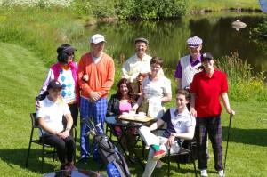 Gruppbild Den villige golfaren.