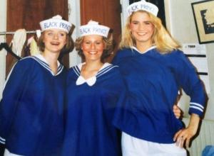 Här är matroserna Anne, Josefin och Magdalena